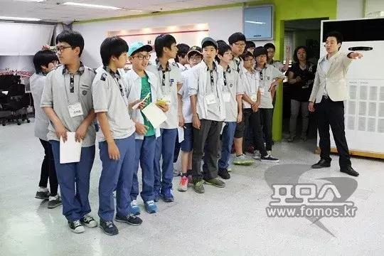 梦想成为电竞选手的韩国少年们