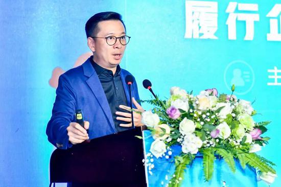 畅游公司高级副总裁黄纬