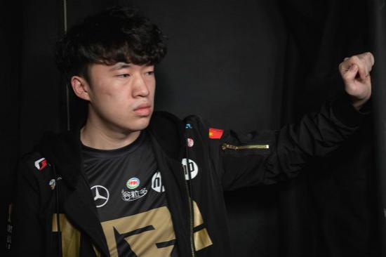 【蜗牛电竞】春之虎帝再度来临?Xiaohu成韩服前二十名唯一LPL选手