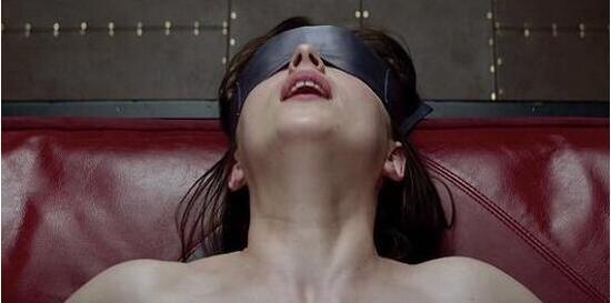 最色情文的同��l#�+_色情电影弱爆了 《五十度黑》将出vr体验