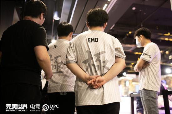 【蜗牛电竞】2月26日DPC焦点战:全胜iG vs 科研PSG.LGD