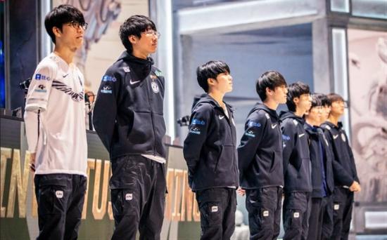 德云色繼續解說S9半決賽:史上最強四強陣容?