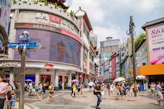 东门老街批发市场_深圳大量新老照片对比图 36年前的深圳是怎样的_新浪广东_新浪网