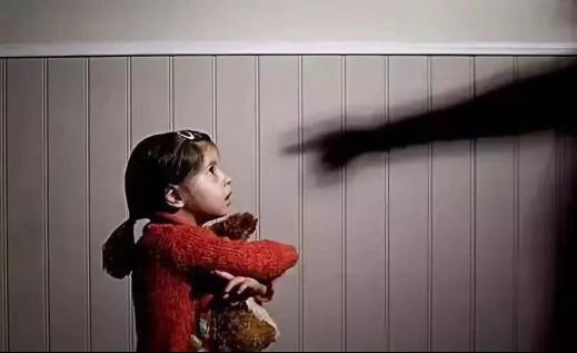 益论沙龙:谁来做儿童侵害的第一发现者?