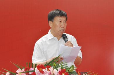 董新光主委代表受助地区讲话