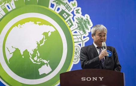 索尼中国董事、常务副总裁兼首席财务官羽嶋仁先生出席开营仪式并发言