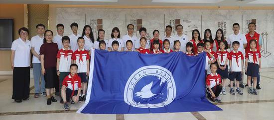 海洋之美公益项目组、嘉兴一中实验经开学校领导及学生代表、致公党嘉兴市委会志愿者、北京大学潜水协会志愿者