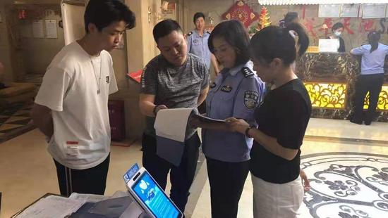 修文县龙场街道:禁毒宣传多形式 筑牢禁毒防护墙