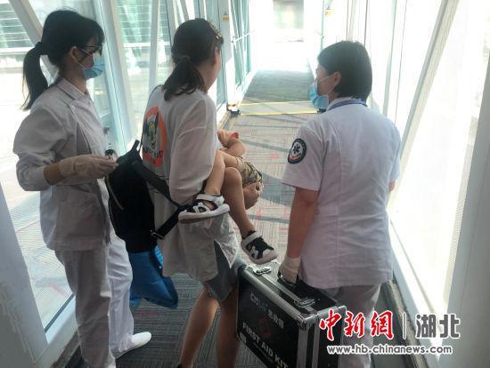 轉載:3歲兒童飛機上突發不適武漢飛銀川航班緊急返航