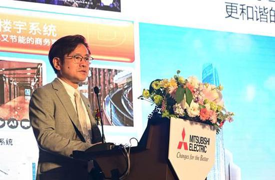 三菱电机株式会社执行董事 中国总代表 三菱电机(中国)有限公司董事长兼总经理 富泽克行
