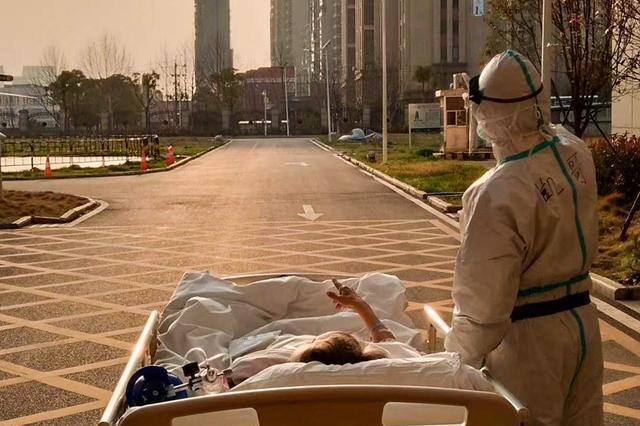 """社会资讯_武汉""""夕阳照""""老人出院 医生:为了看夕阳差点挨骂_新浪湖北 ..."""