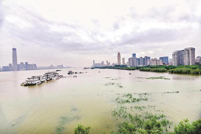 武漢關水位達21年最高 兩江四岸江灘公園封閉管理