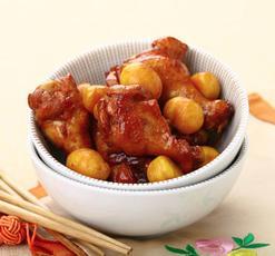 暖身食谱:板栗蒸土鸡