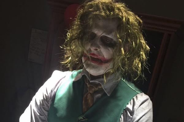 比生孩子更恐怖的是什么?小丑来给你接生!
