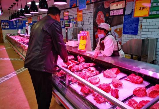 鄭州白條豬價格已連續18天低于20元/斤 多家超市推特價豬肉