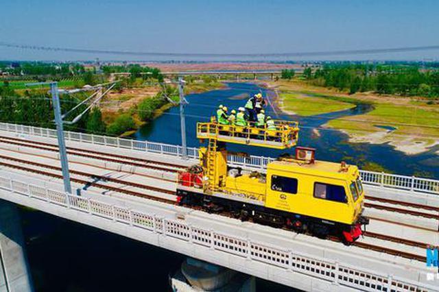 航拍:郑万铁路河南段四标段实体工程结束