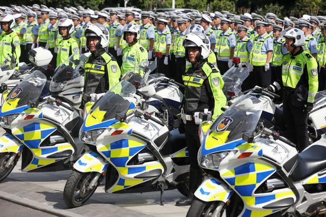 """郑州启动""""交警系统交通秩序环境综合整治提升""""活动"""
