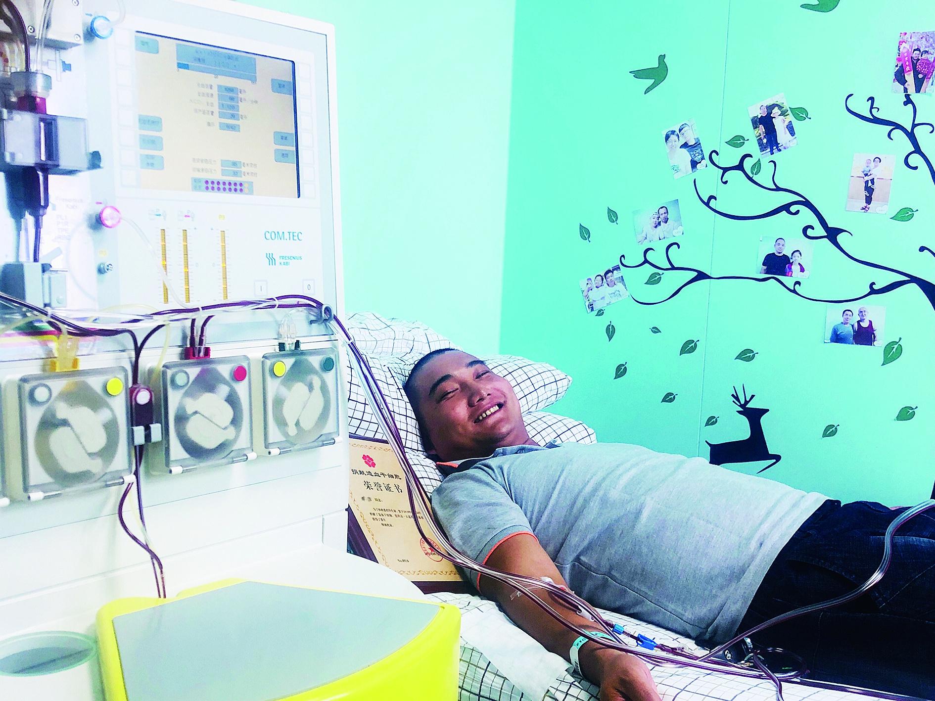为救山东一名6岁再生障碍性贫血患儿 伊春男子来哈捐髓