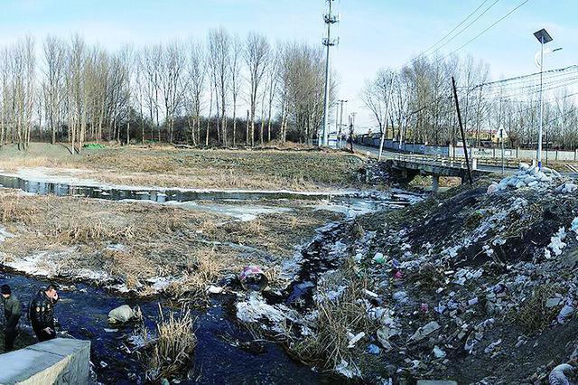 哈市金兀术运粮河被污染 垃圾堆进河道污水一天排三遍