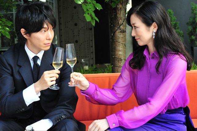 铃木京香与小9岁男友分手:我把他养大了