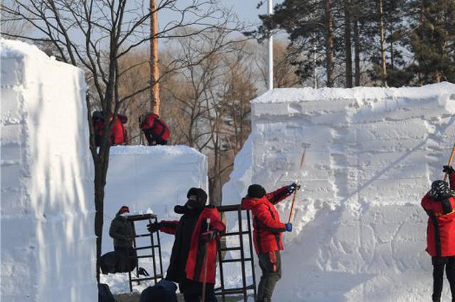 17日还有雪雕精品亮相 黑龙江雪雕赛太阳岛开铲