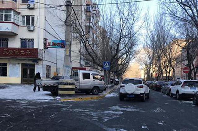 哈尔滨市建河街单行方向改了 交通标志尚未完善