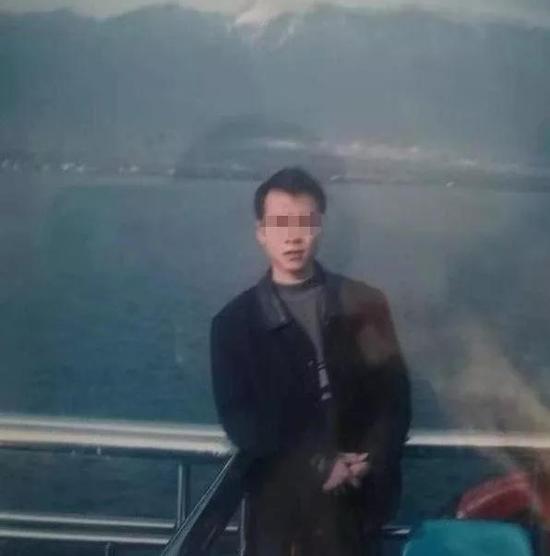 小周(化名)生前照片 贵阳晚报微信公众号 图