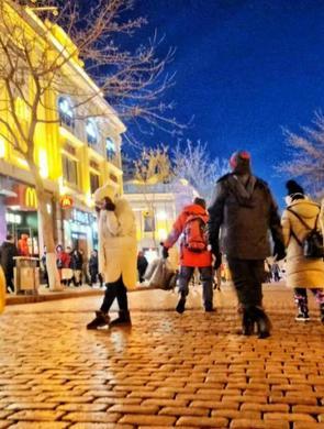 哈尔滨的冷是热气腾腾的冷 冰城24小时