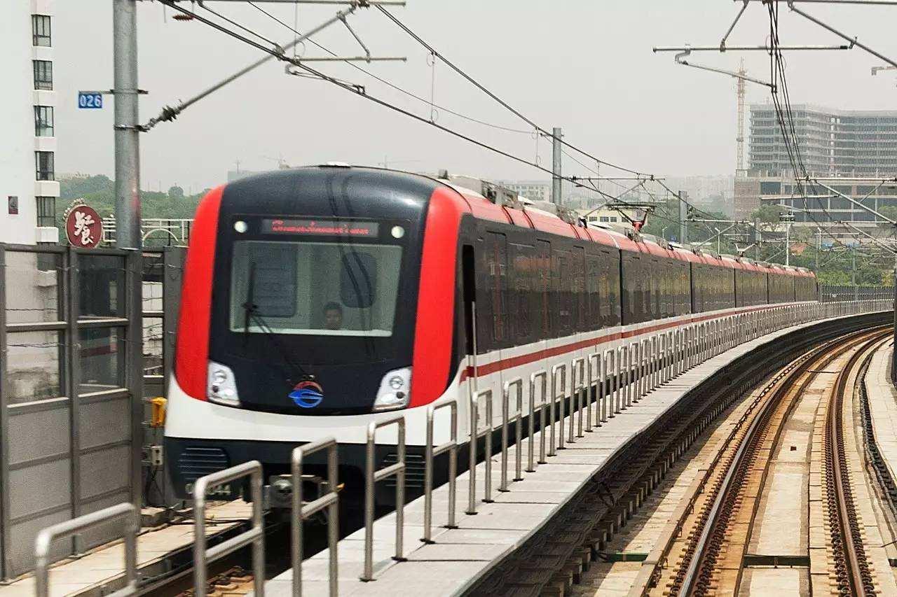 长沙地铁5号线建设进展快 16个车