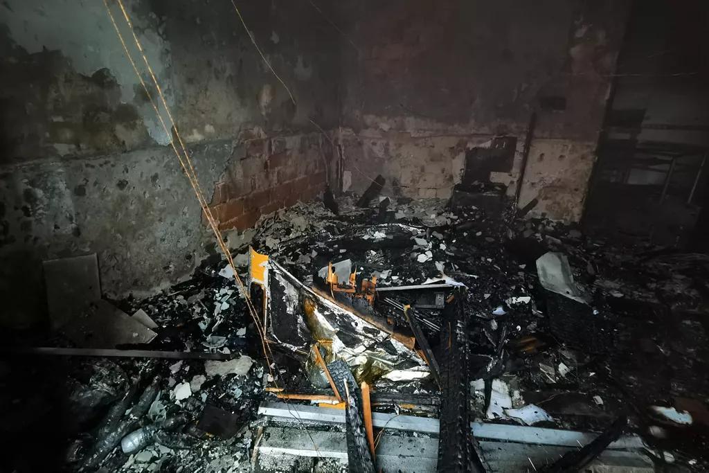 △门店起火部位被烧毁