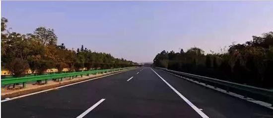 常德到长沙的大巴_益常高速公路将扩容!常德至长沙不再需要5至6小时_新浪湖南 ...