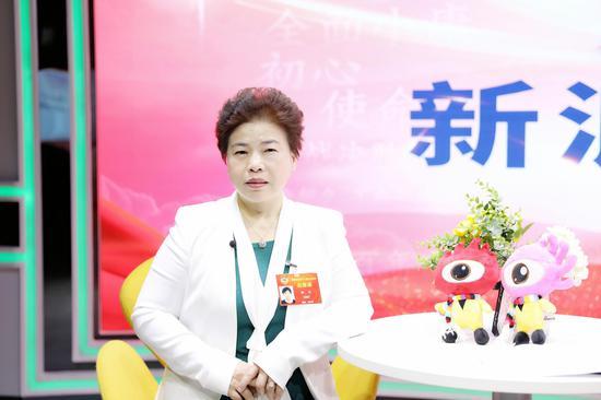 湖南省政协委员、湖南华夏投资集团有限公司董事长钟飞作客新浪两会会客厅