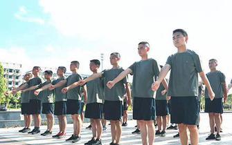 衡阳预定新兵役前教育训练如火如荼