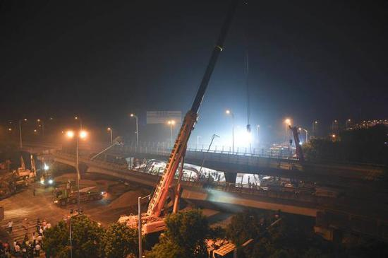 大桥的一日十次_跨桥侧翻的无锡312国道:重要货运通道,正计划快速化改造_新浪 ...