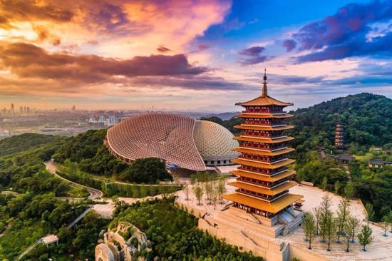 为什么来了南京就离不开?市委书记给出六个答案