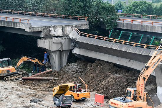 独柱墩桥梁是否存在缺陷?新华社四问无锡高架桥侧翻事故