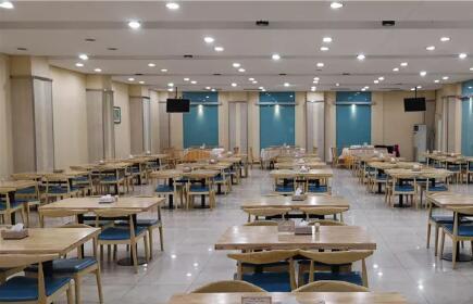 资料图:扬州市政府西大院食堂。