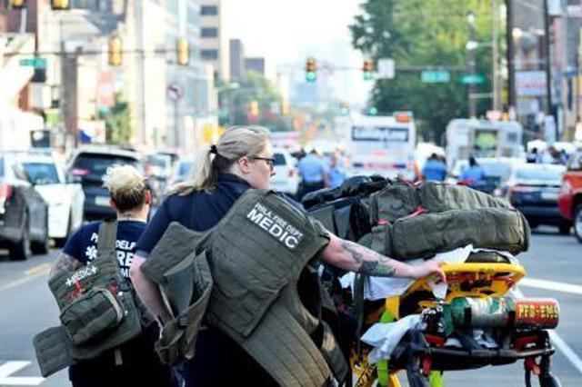 美国费城发生枪击 多名警察中枪