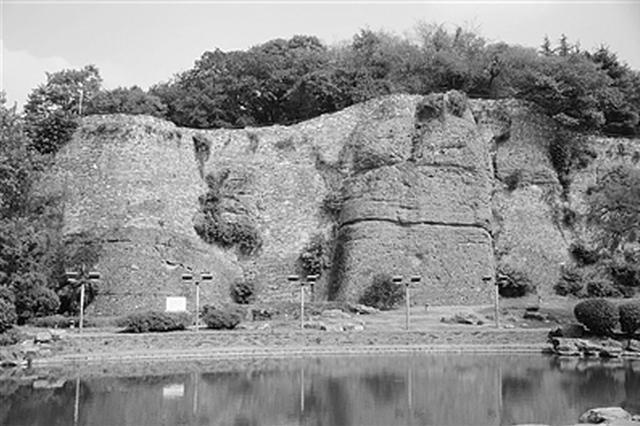 高楼林立的南京河西地区 1400多年前是长江淹没区