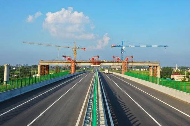盐通铁路主体工程8座连续梁完成合龙 预计明年底通车