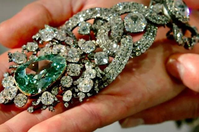 欧洲最大珍宝馆被盗约77亿珠宝 馆长:没有保险