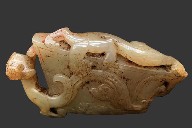 秦始皇陵陵西发现大型墓葬 出土珍贵金骆驼