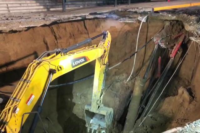 地陷事故背后:西宁市区6年至少发生14起路面塌陷