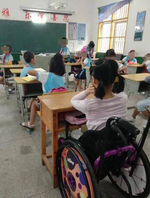女童在校俯卧撑后瘫痪索赔708万