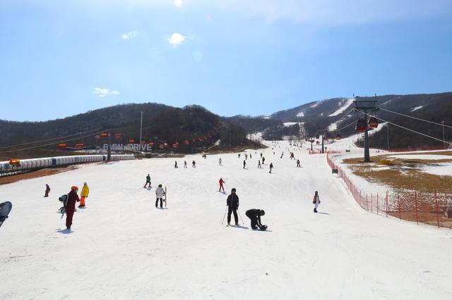 来松花湖滑雪场滑雪