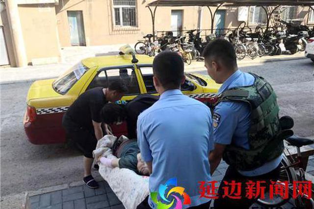 图们:民警打车送发病老汉?#26412;?#21463;称赞