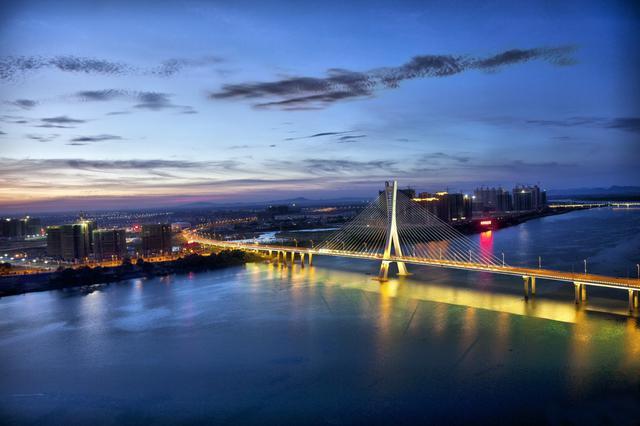 鹰潭连续十年被评为中国外贸百强城市