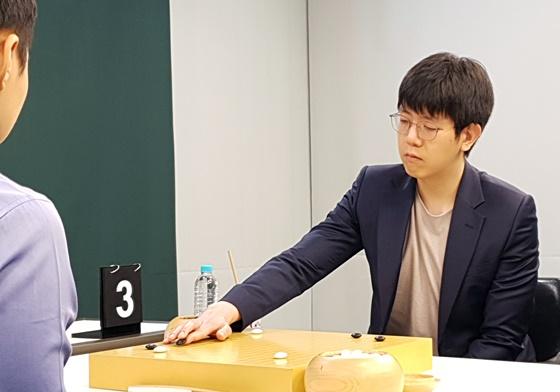韩国棋手姜东润九段