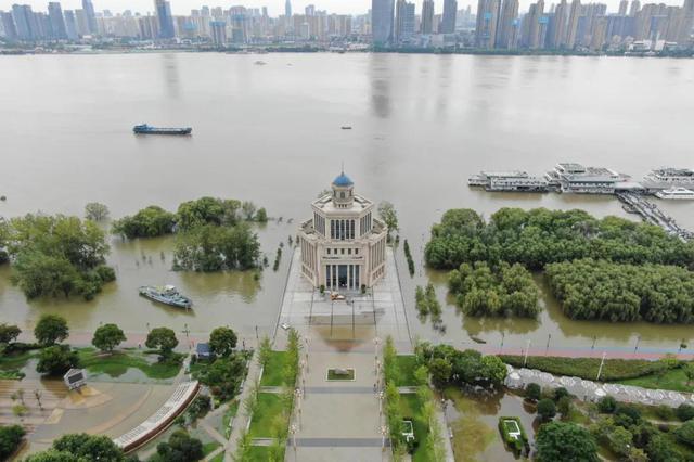 預測洪峰最早14日凌晨抵達長江武漢江段