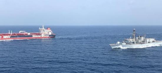 """英国波斯湾""""护航""""困境:自身舰船不足 盟友不给力"""